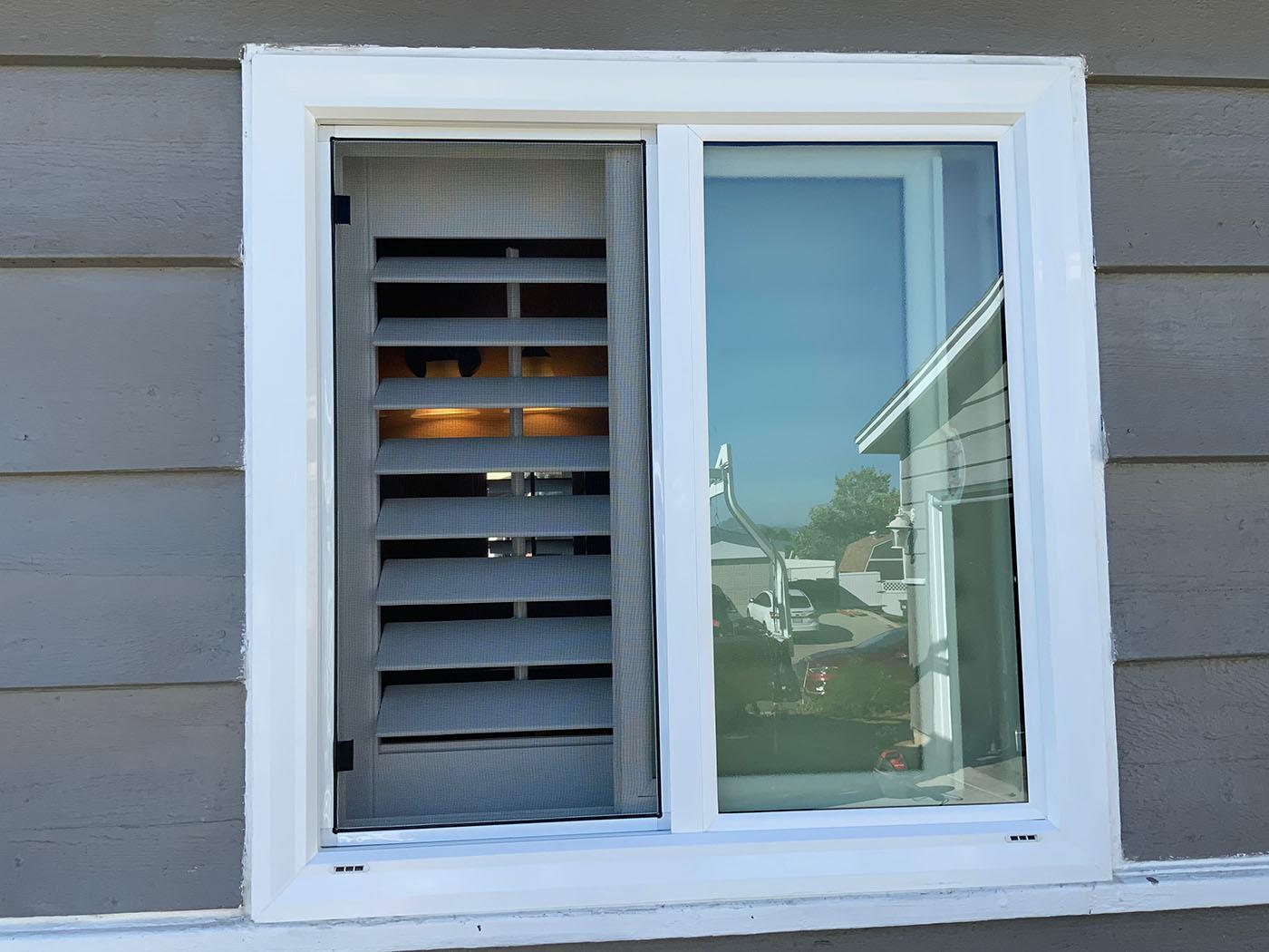 XO Vinyl Window