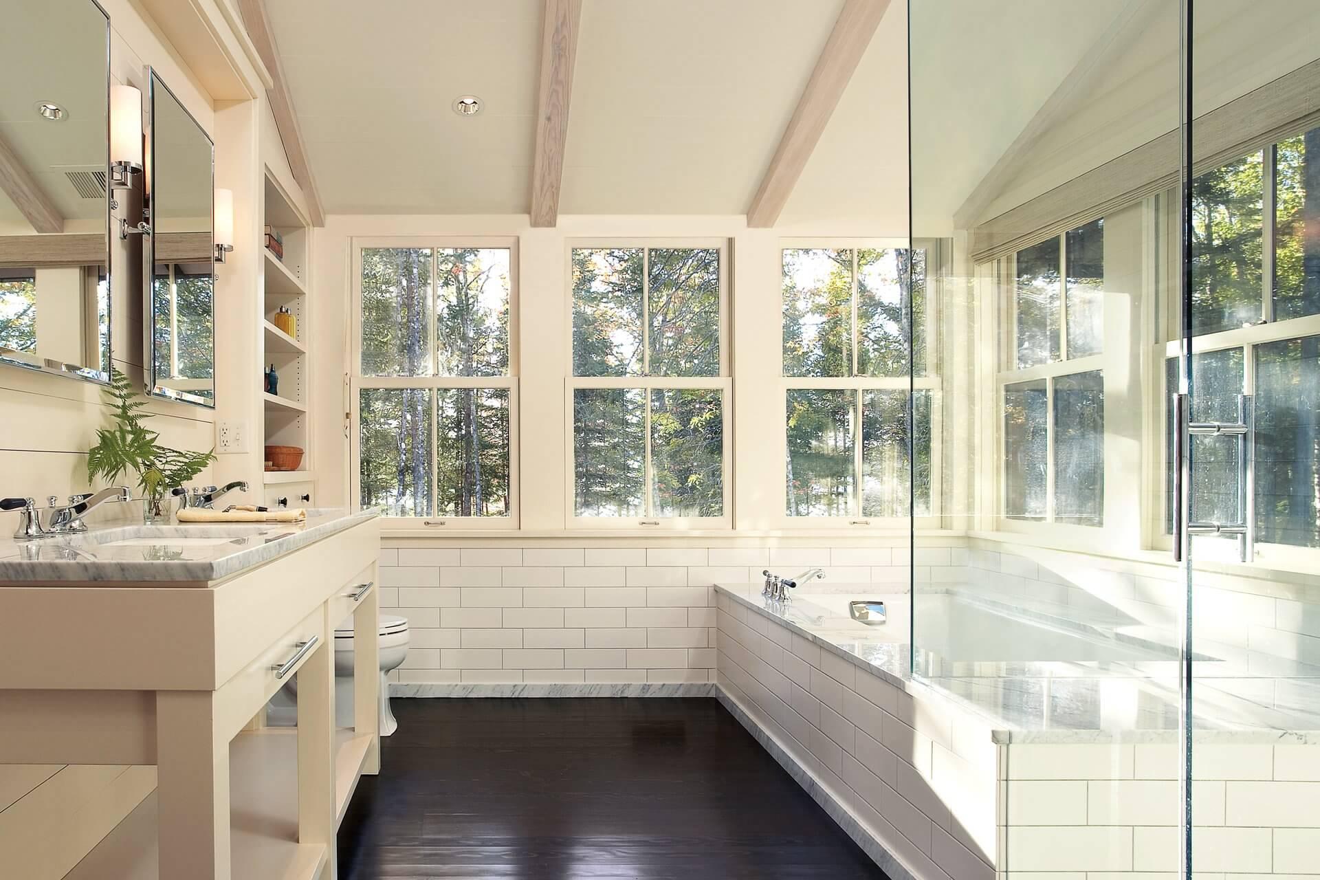 marvin-signature-ultimate-wood-single-hung-myr-bathroom